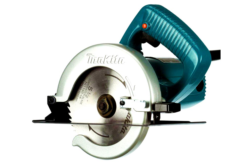 5 1/2″ Makita Circular Saw